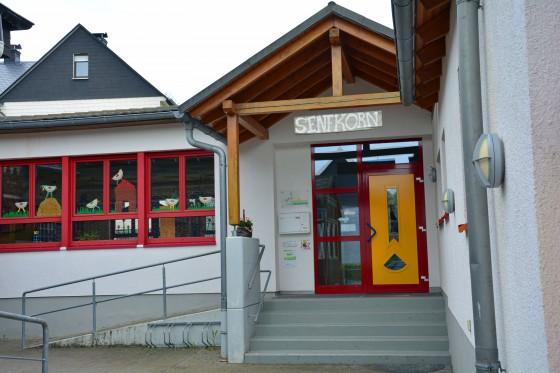 """Unser Kindergarten """"Senfkorn"""" heißt Groß und Klein herzlich willkommen!"""
